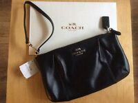 Leather Wristlet by COACH USA Signature Brand New !!!! Neuf !!!!
