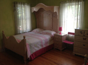 Queen size wooden Tester Canopy bed & matress included $299