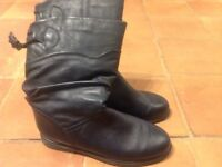 New leather boots size 4