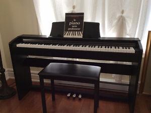 Piano numérique Privia PX-735 de Casio