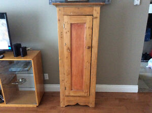 Armoire rustiques pin