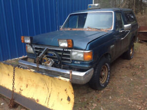 1989 Ford Bronco Plow Truck