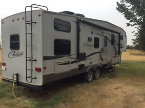 2011 Cougar High Country 296BHS 5th wheel.