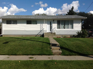 Bungalow in Morinville for Rent.