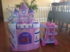 Princess Kitchen with trolley