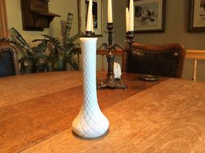 """Vintage 1 vase a fleur milk glass 9 """" décoration"""