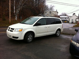 2010 Dodge Grand Caravan stow n go