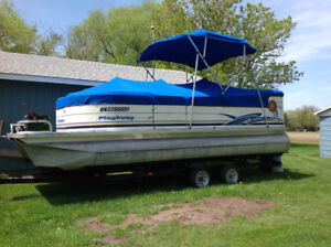 PONTOON BOAT with new TRAILOR