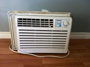 Air climatisé de fenêtre Danby 5050 BTU