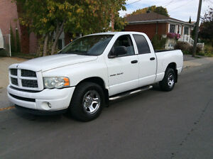 2003 Dodge Power Ram 1500 slt quad cab Camionnette