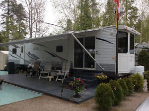 40 feet park model camper for sale