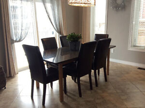 Perfect condition. BEAUTIFUL GRANITE DINING TABLE