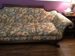 Stunning Antique Duncan Fyfe Sofa, Carved Feet with Wings