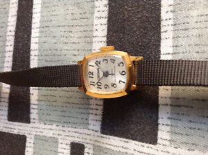 Vintage mechanical lady watch . Works perfectly
