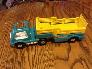 Vintage 1998 SHELCORE 2-PC FARM VEHICULE TRUCK TRAILER
