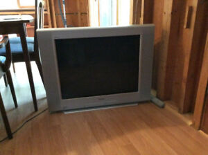 "Sony television - 32"" screen"