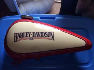 Harley-Davidson 1984 left hand gas tank Softail-DYNA, 61228-84