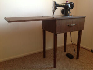 Classic 201K Singer sewing machine with table