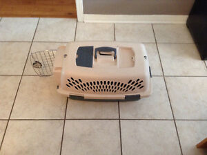 Small dog or cat crate