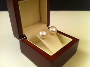 Gold earrings Real freshwater pearls