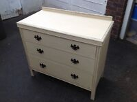 Oak chest of drawers. Vintage, shabby chic