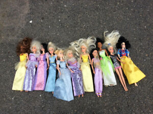 Lots de 11 barbies, princesses