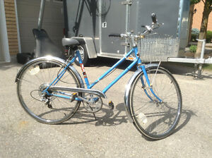 REDUCED! Vintage 5 Spd Supercycle Debutante With Kickstand
