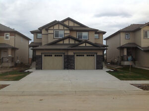 Spruce Grove-BEAUTIFUL 3 BEDROOM DUPLEX AVAILABLE IMMEDIATELY