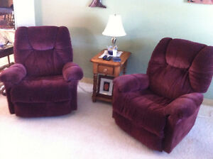 Matching manual recliner chairs