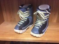 Ladies new Burton Snowboard boots