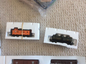 N GAUGE RAIL CARS, LOCOMOTIVE, TRACK, STATION UNBUILT EC