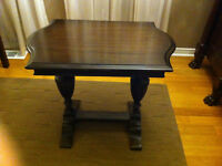 TRESTLE  STYLE OCCASIONAL TABLE IN GOOD USED SHAPE