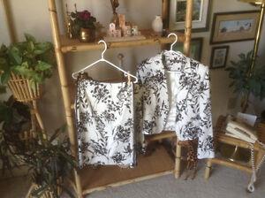 Tailleurs, robes et vestes à vendre.