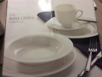 Royal Collection White 20 Piece Bone China Dinner Set