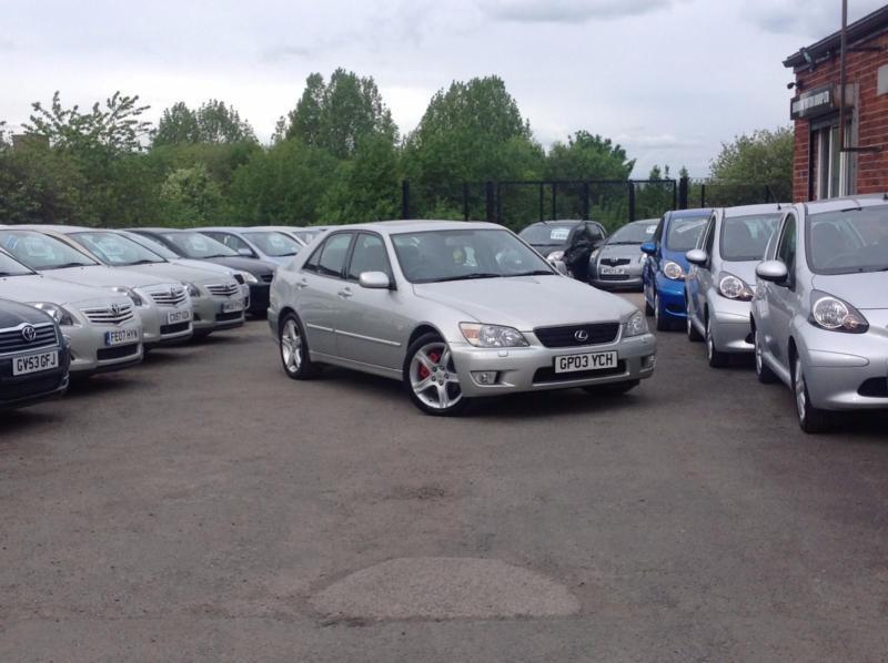 2003 Lexus IS 200 2.0 SE Silver 4-door saloon