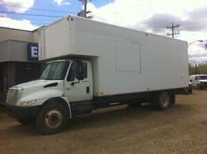 2004 International  4300 DT466 28FT CAB OVER CUBE VAN