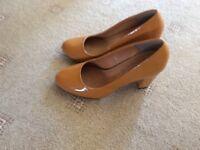 Patent Mustard colour kitten heels