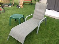 Chaise lounge chair and table