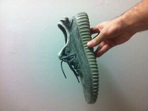 Yeezy Shoes Moonrock Knockoff/Fake - Size 9 US