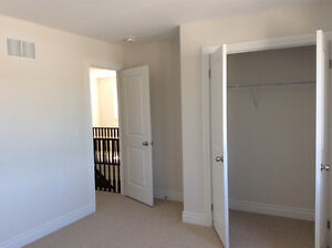 Room Available for rent (3min drive to Trent) Peterborough Peterborough Area image 4