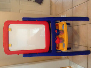 CHALK AND DRY ERASE EASEL