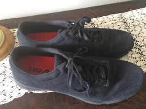 Men's ASICS black shoes size 14