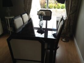 Ex fultons. High gloss table and chairs