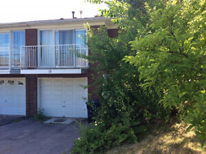 BAYVIEW LESLIE and STEELES NORTH YORK 4 brm $690/rm $2600/house