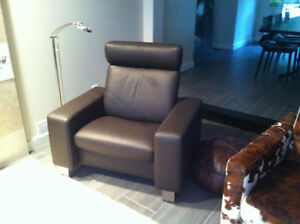 ***LEATHER SOFA & RECLINER CHAIR***