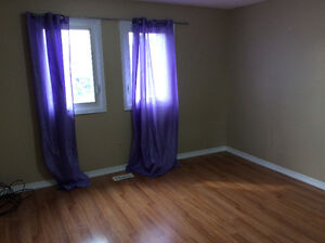 Brampton house for rent 6 bedroom Sheridan college shoppers worl