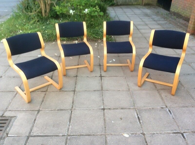 4 x Magnus Olesen Vintage Stylish Office/Dining Chairs.