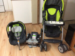 Chicco Infant car seat / base and stroller travel system