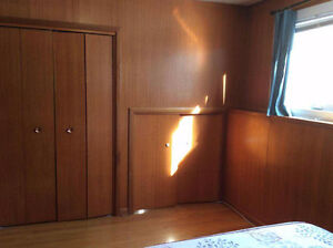 All inclusive clean,bright, large bedroom for rent near UoR