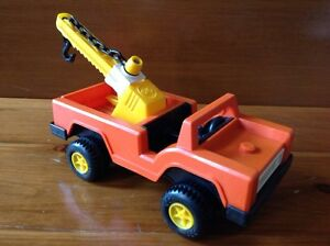 Vintage Fisher Price Tow Truck Lift